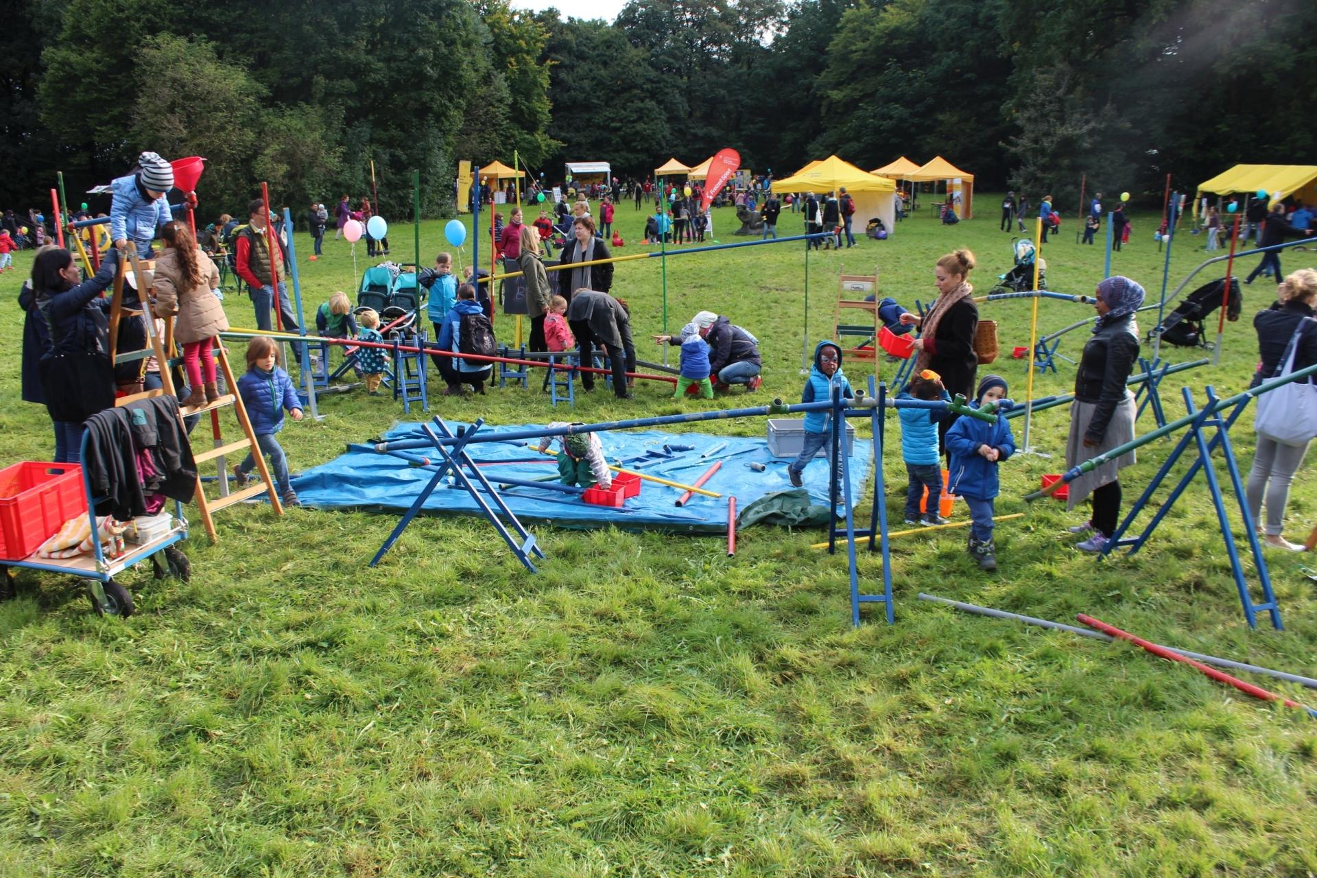 Weltkindertag2017_Spiellandschaft_Murmelbahn