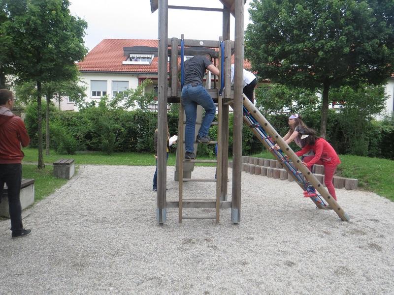 LSK_halboeff.SpielplatzSüdtirolerstr_6_9.6._CH.JPG