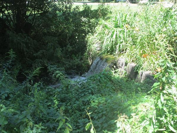 Der zweite kleine Wasserfall
