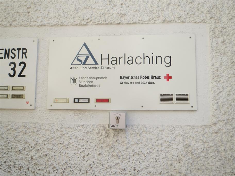 Schild des ASZs