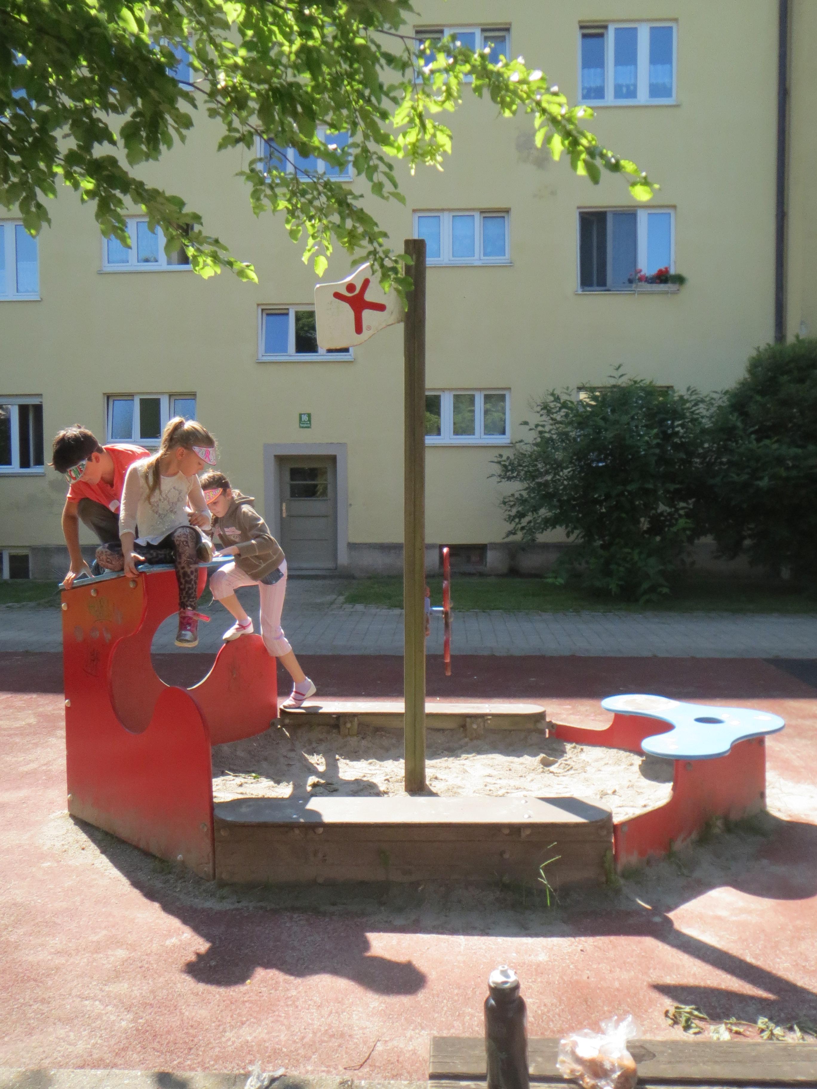 Rotbuchen_InnenhofEN_Schiff_12.06.15_LK (2).JPG