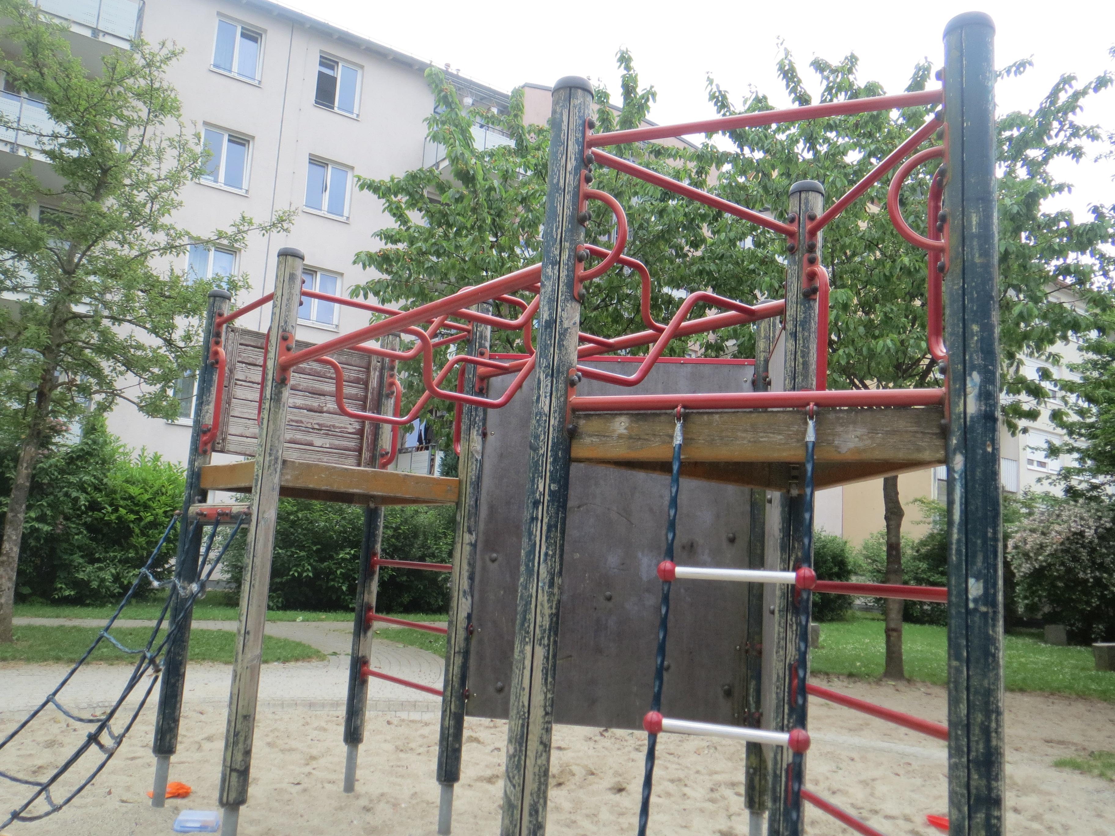 Rotbuchenschule_3e_06_11_Spielplatz1.JPG