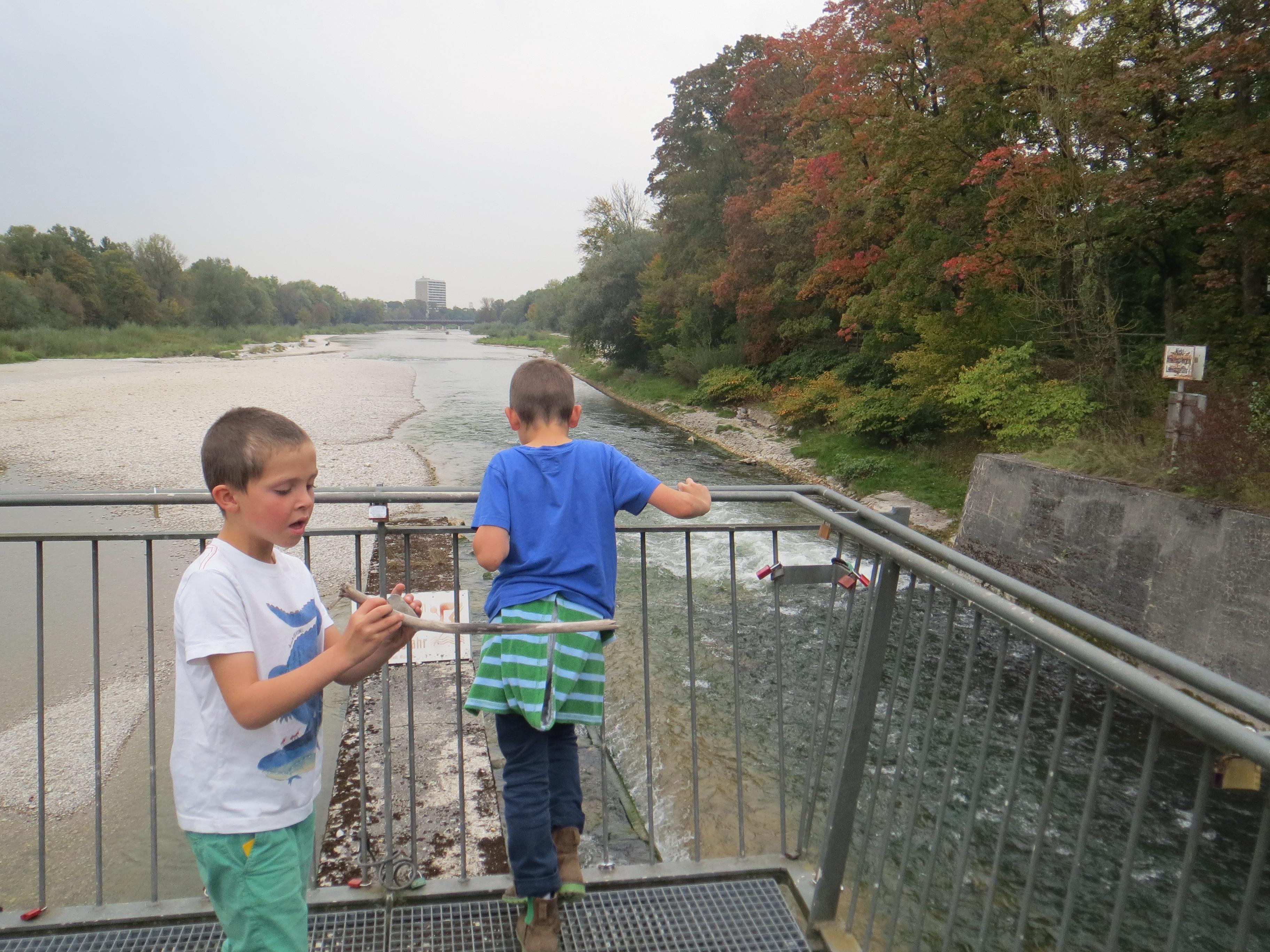 Marienklausenbrücke über Isar (2).JPG