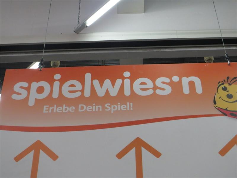 spielwiesn_schild