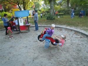 SpielplatzSchmorellplatz_Wippe
