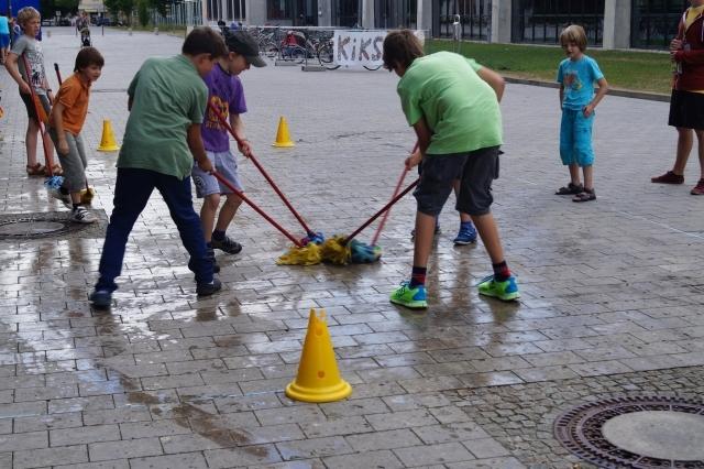 KiKS Festival 2013: Schrubberhockey (Spiellandschaft Stadt)