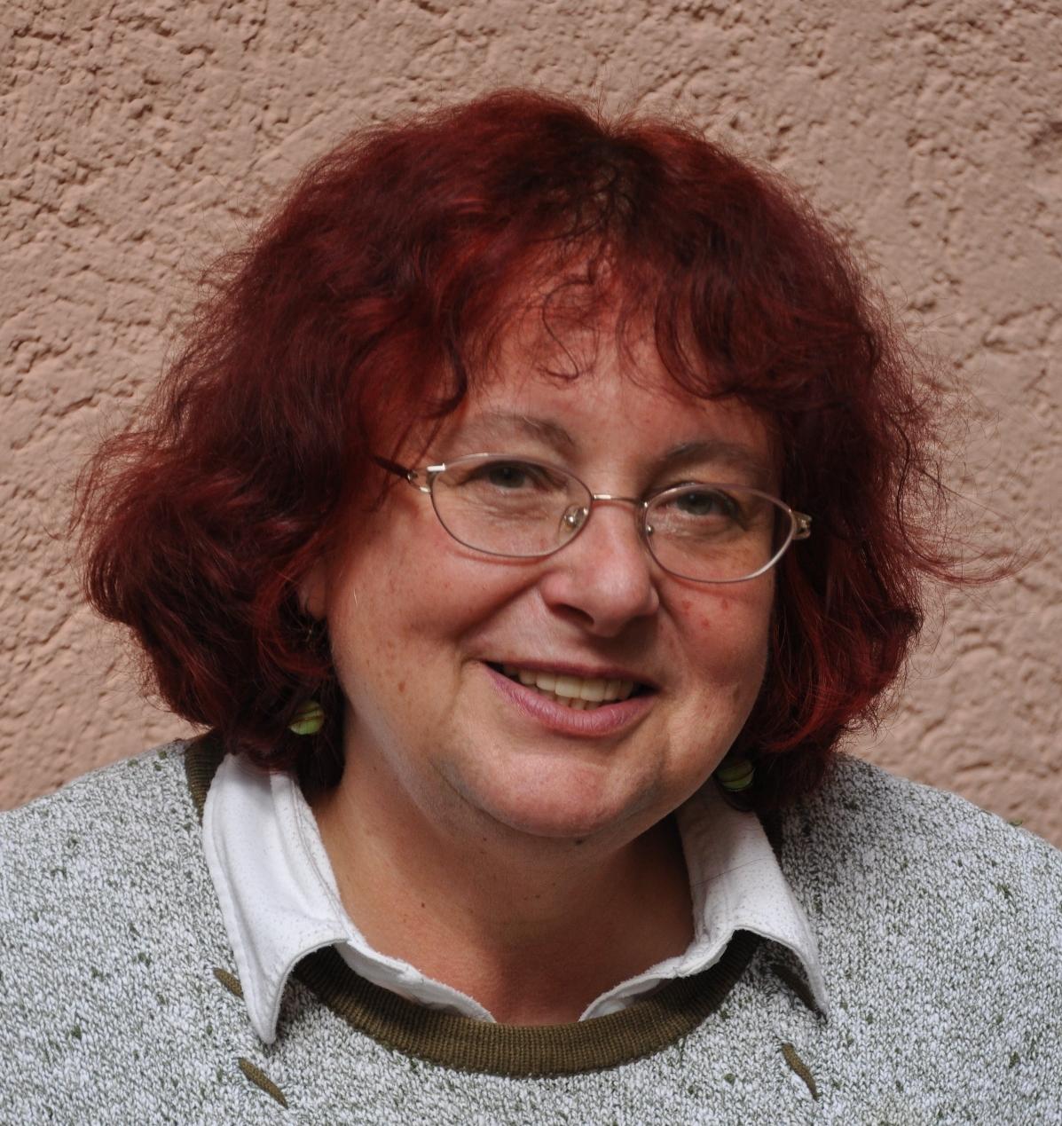 Christa Knappik