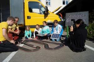 Die Rennbahn wird mit Solarstrom betrieben.
