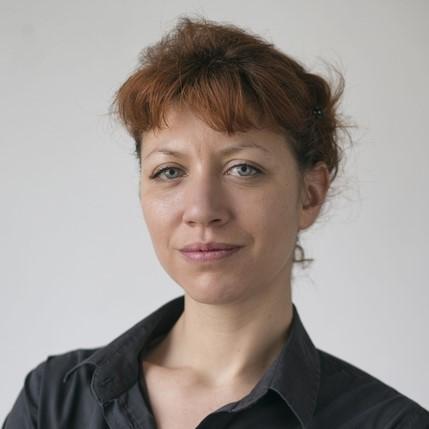 Eva Maria Stadler, Verwaltungskraft