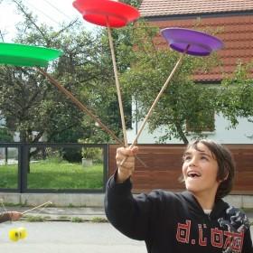 Zirkus_Tellerdrehen
